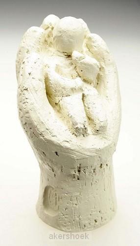 Beeld 15c in Zijn hand 9cm ivoor