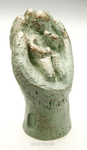Beeld 15d in Zijn hand 9cm groen