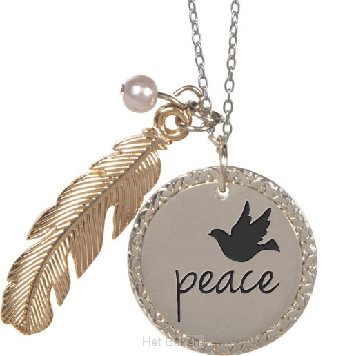 Feather pendant peace