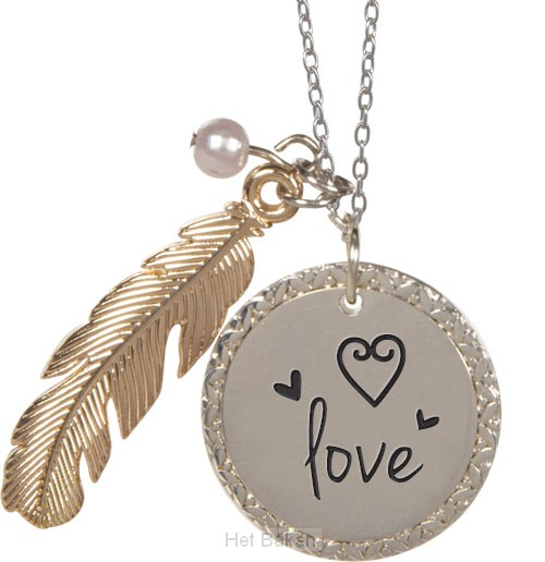 Feather pendant love