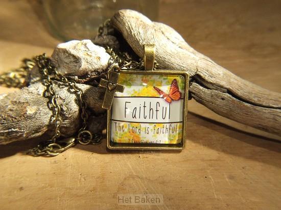 Faithfull - Retro style necklace
