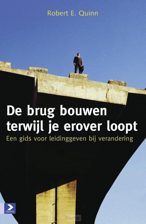 De brug bouwen terwijl je erover loopt