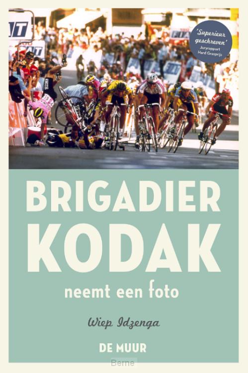 Brigadier Kodak neemt een foto