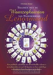 Trainen met de waarzegkaarten van Mademoiselle Lenormand