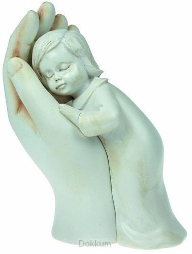 Beeld meisje in hand 10cm