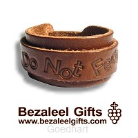 Be strong fo not Fear, leather bracelet