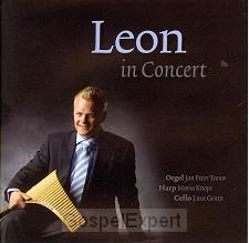 Leon in concert -1-