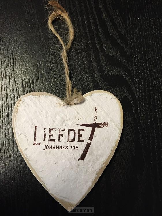 Liefde (Wooden heart - 9,5 cm)