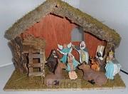Kerststal 026 hout met 9 beeldjes 35cm