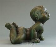 Beeld EMO20 baby liggend brons hoog 9cm