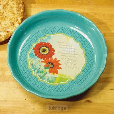 Pie plate woman of faith