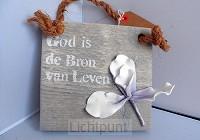 Wandbord God is de bron van leven