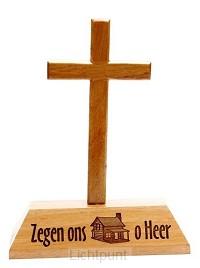 Kruis op voet hout zegen ons huis o Heer