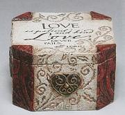 Box steen 10.1x10.1x9.5 love is patient