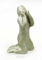 Beeld overgave/aanbidding groen 8cm