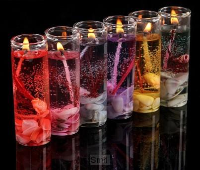 Gelkaars in recht glas droogbloemen
