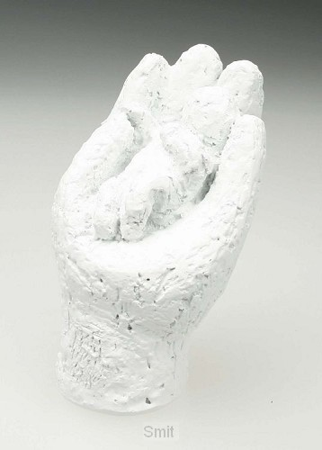 Beeld 16a in Zijn hand 7cm wit
