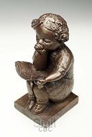 Beeld 3802b meisje lezend duimend brons
