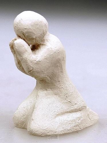 Beeld 606c gebed 6cm ivoor