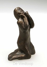 Beeld 715B overgave/aanbidding 8cm brons