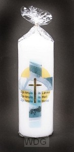 Kaars 17x6 het kruis is leven heil hoop