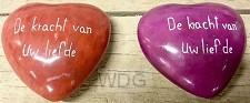De kracht van Uw liefde rood hart steen
