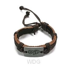Armband leer love bruin verstelbaar