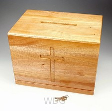 Offerkist hout kruis 30x23x20cm