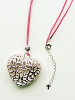 Open heart on leather cord - Halskette